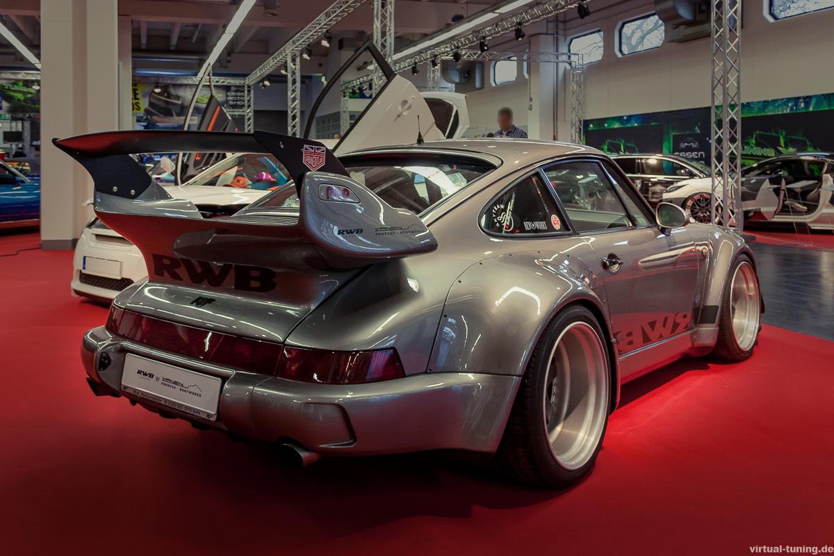 Rauh-Welt-Begriff (RWB) Porsche 911 auf der Essen Motorshow 2015