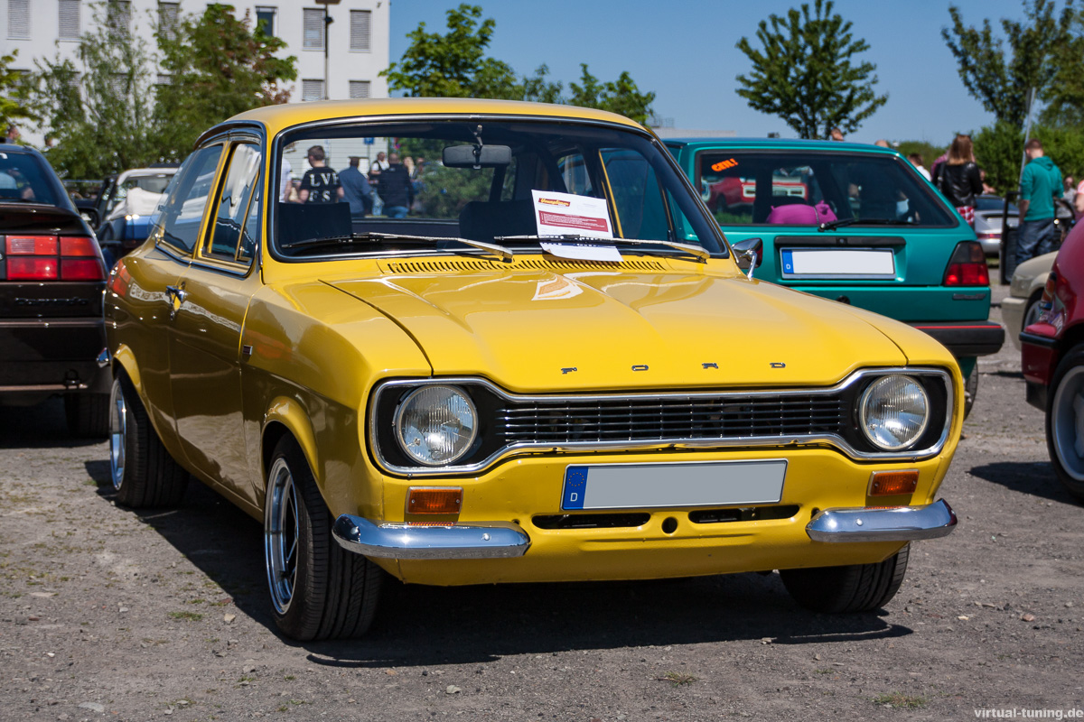 Ford Escort MK1 bei der Youngtimer Show in Herten
